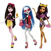 Cleo De Nile, Draculaura, Ghoulia Yelps, Clawdeen Wolf & Frankie Stein