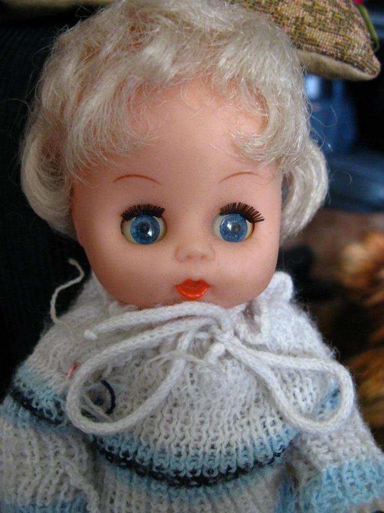 Кукла Вика