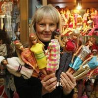 Самая большая коллекция кукол Барби в мире!