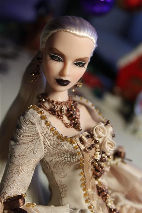 Кукла Лючия Белая