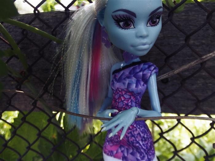 Кукла Тира