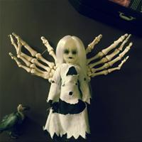 Living Dead Dolls - Revenant