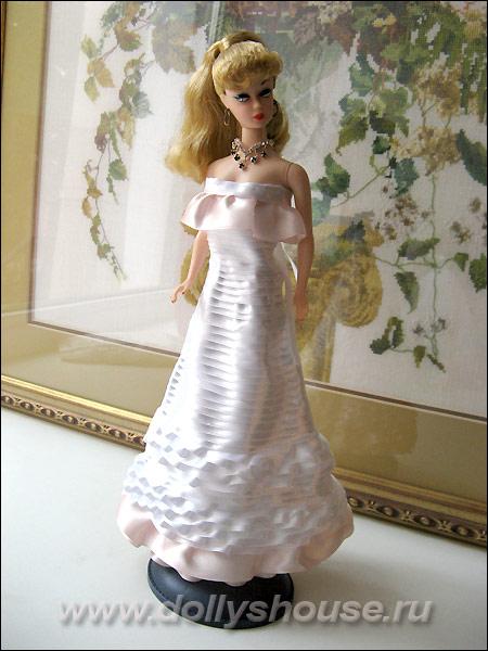 Платье для куклы из атласной ленты своими руками 1