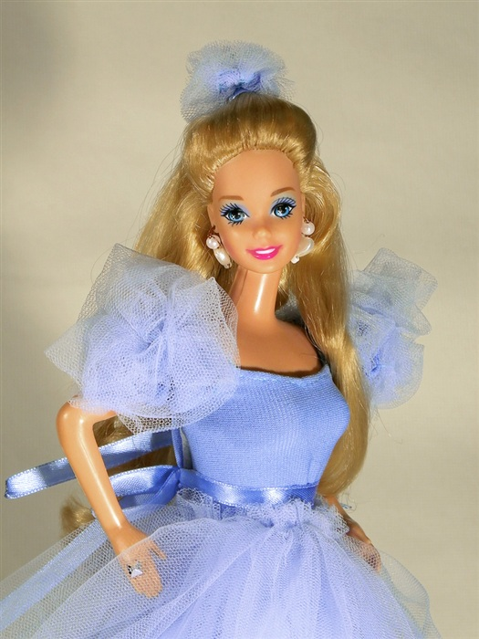 Кукла 1992 Happy Holidays® Barbie® Doll