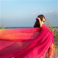 Море. Розовое парео.