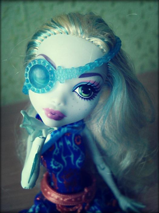 Кукла Twisted