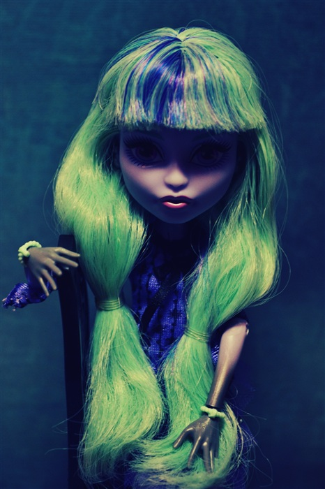 Кукла Ш.
