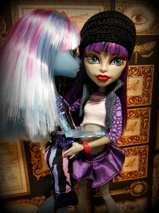 Кукла Хлоя Тодд