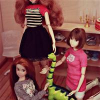 Маленький Сайрус и девочки