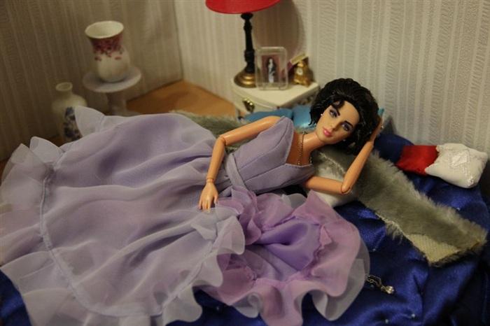 Кукла Элизабет Хинксхилл
