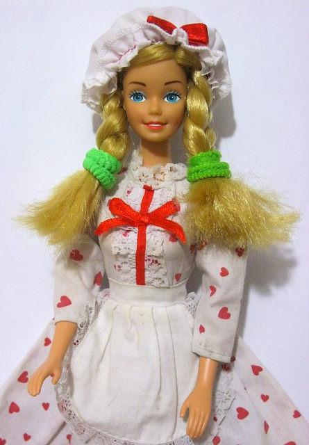 Кукла Виктория