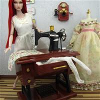 Поппи тоже любит шить.( автор ???)