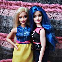 Фиби и ее подруга