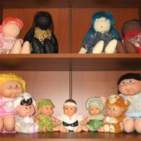 Полки для кукол-детей