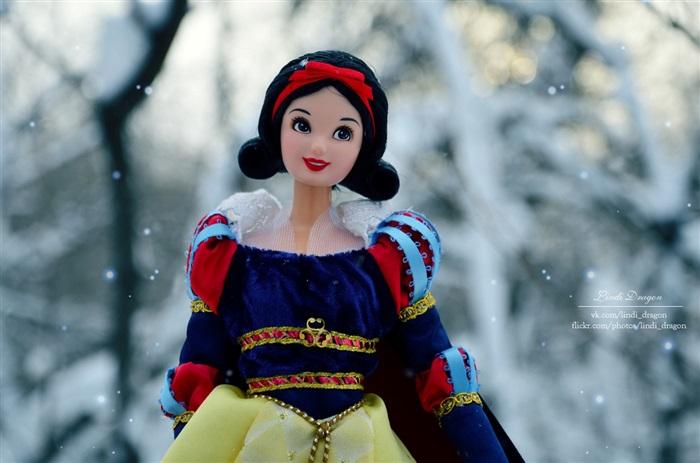 Кукла Snow White