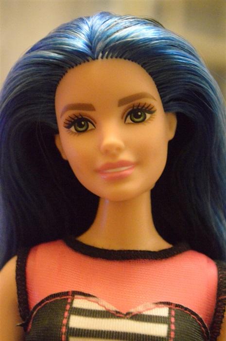 Кукла Barbie Fashionistas 27