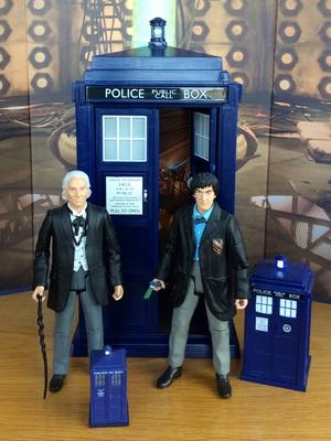 Кукла Доктор(ы) и ТАРДИС(ы)