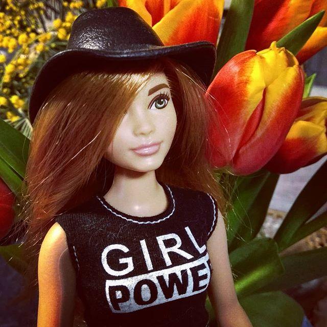 Кукла Феминистка