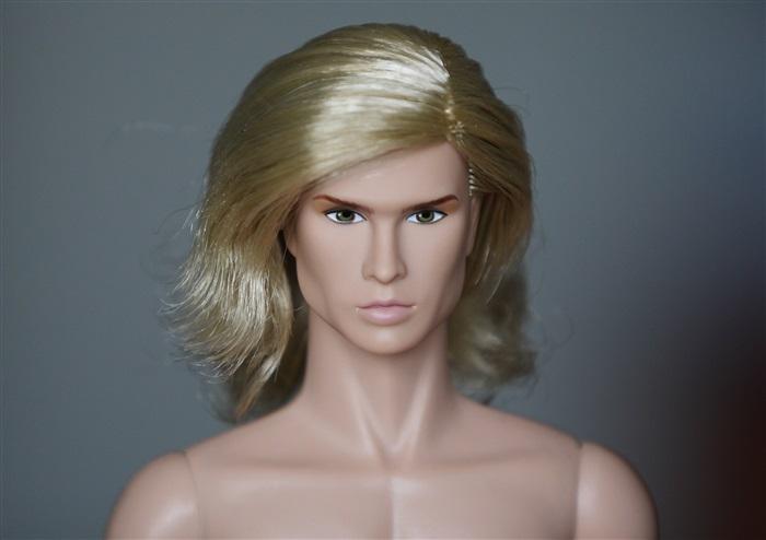 Кукла Олли блондин