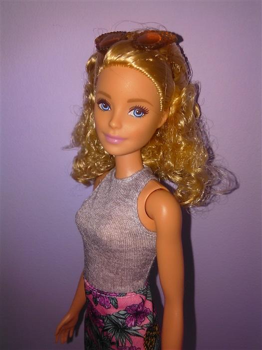 Кукла Barbie fashionistas 70