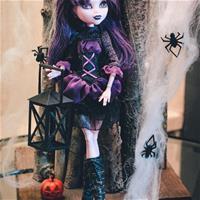 Элиссабет в паутине