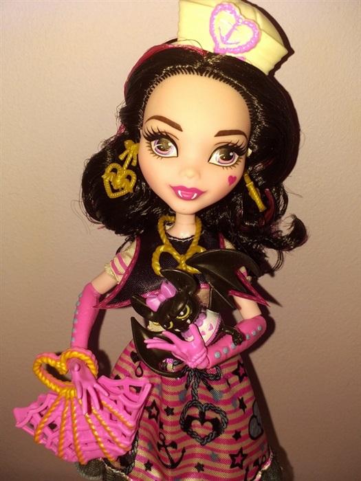 Кукла Draculaura